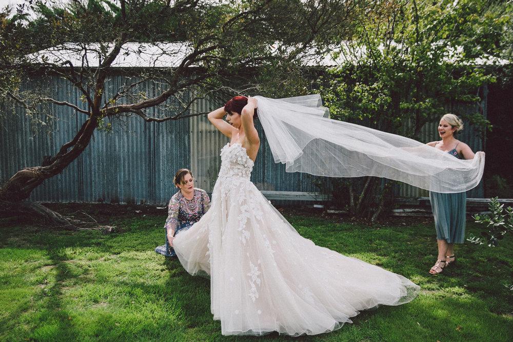 Sarah_McEvoy_Poppies_Wedding_Wairarapa_018.jpg