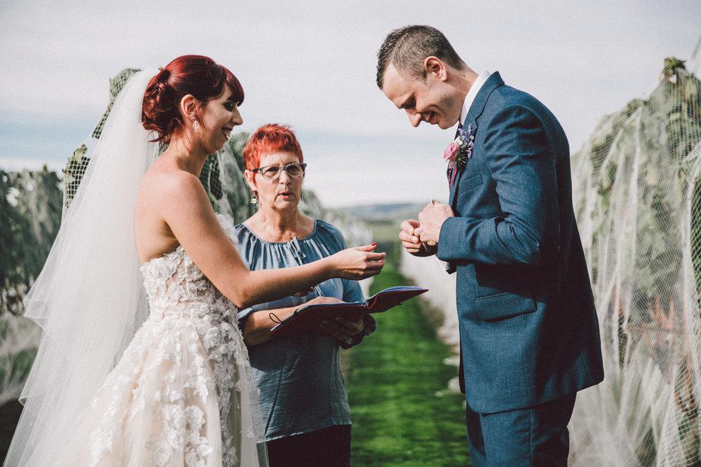 Sarah_McEvoy_Poppies_Wedding_Wairarapa_035.jpg