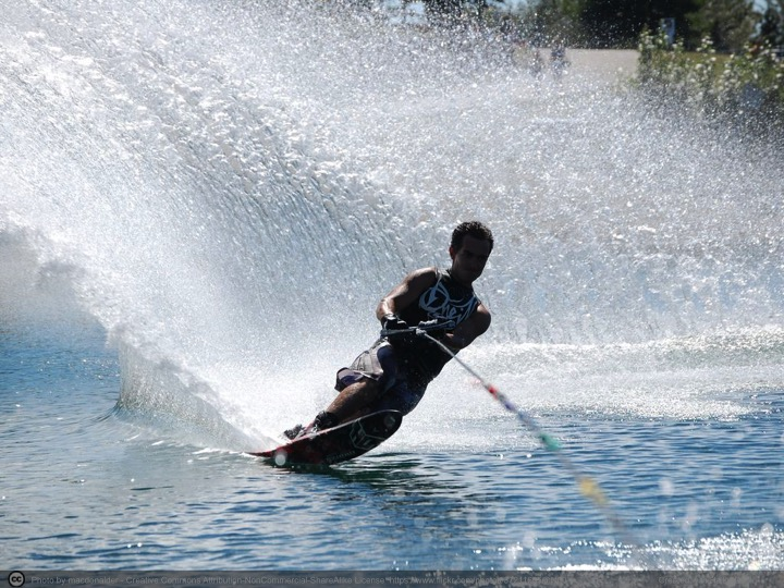 waterskiing.jpg