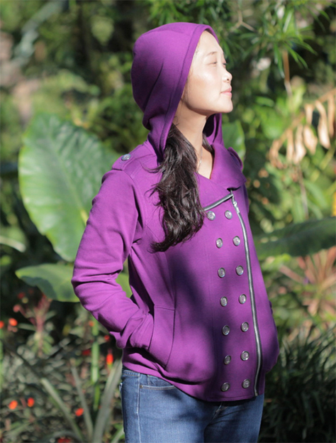 Download the Jacqueline Hoodie PDF pattern from from Itch to Stitch for $12 here.