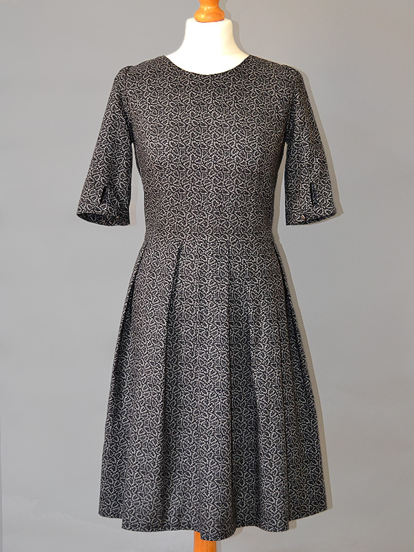 Autumn Mortmain dress sewing kit from gather