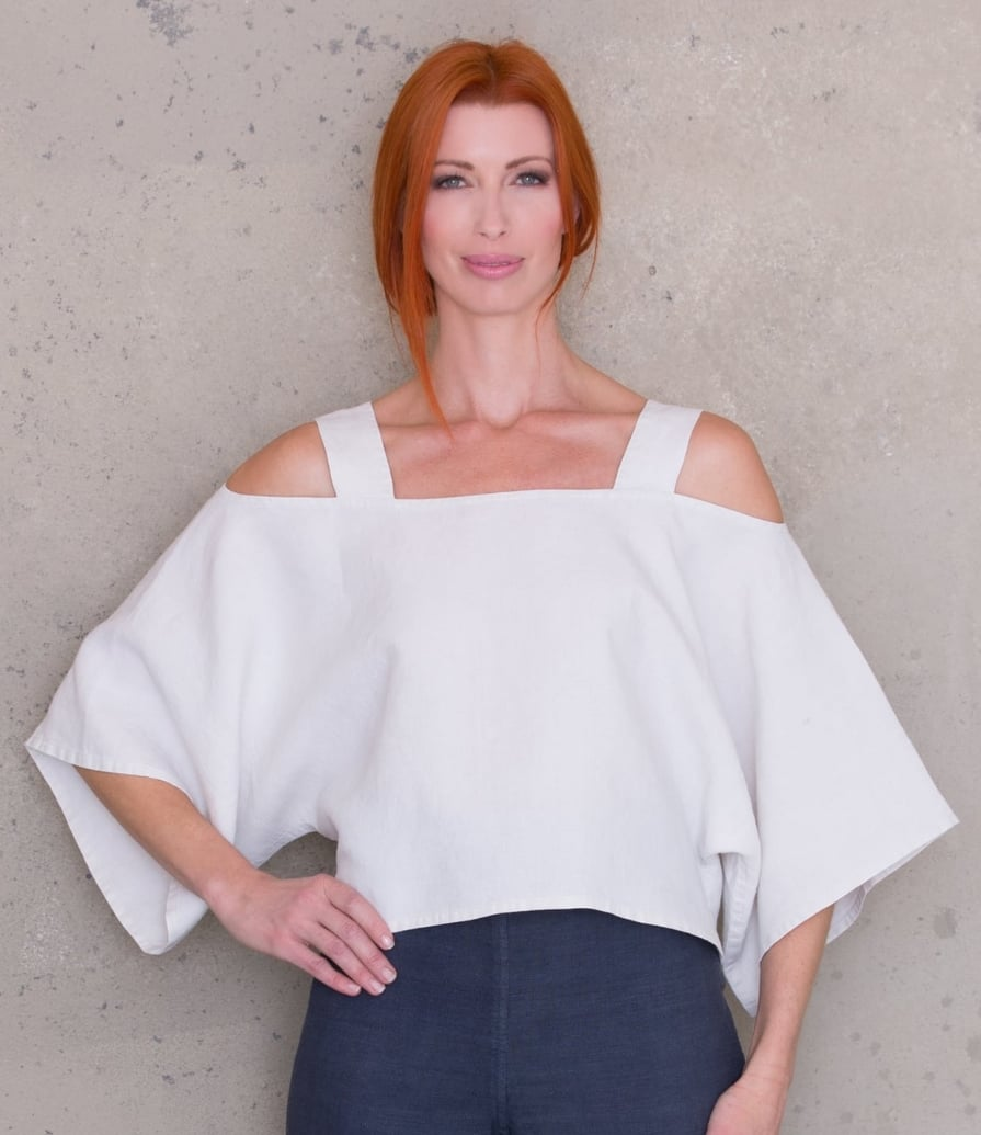 Cold shoulder cropped tunic