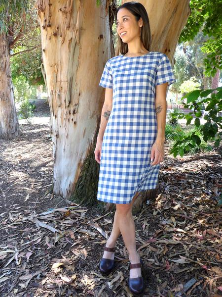 VARDA DRESS & TOP - CHRISTINE HAYNES Great halfway between a loose shift and a fitted sheath dress. Make it in a top too with one of three sleeve options. The pattern also includes invisible centre back zip, French and contour darts and a topstitched faced neckline.