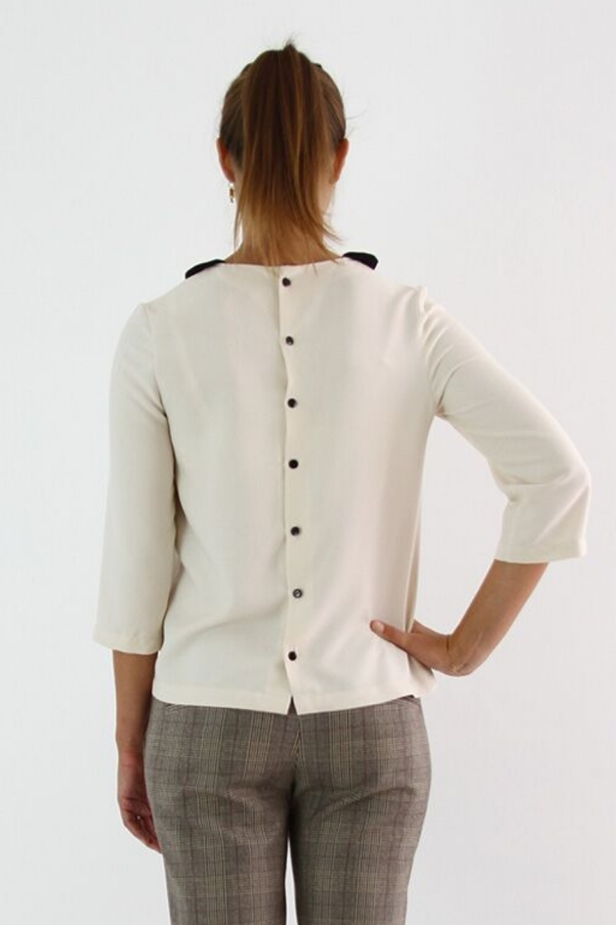 Luna Blouse from I AM Patterns