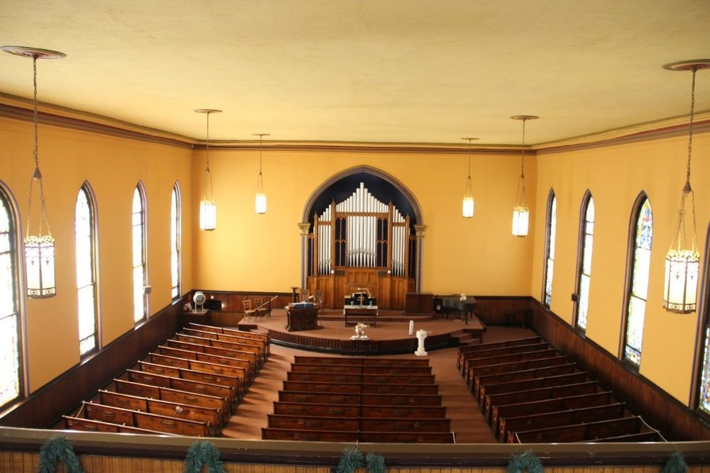 44 View south showing overview of sanctuary from the balcony..jpg