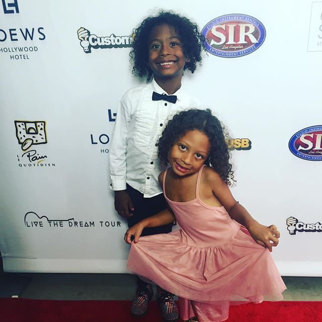 My babies doing a lil red carpet action for the performance with the #livethedreamtour thank u @nikkole.music and @wallacehall We had a great time!! #mybabies #4kids #mommyworks