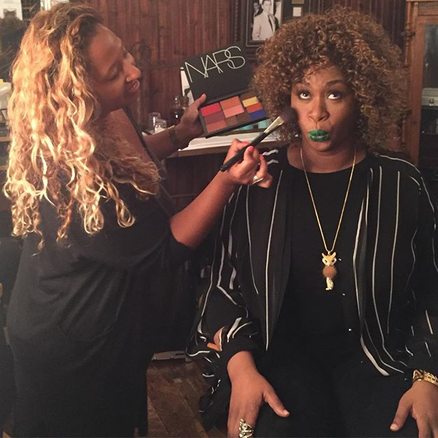 My morning with my girl #Glozell for the #streamys .. #makeup #nars #makeupforever #setlife #mamaworks