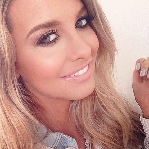 #fbf With the beautiful @emilysears shooting for @jessicaburciaga @sailorandsaint #emilysears #jessicaburciaga #makeup #setlife