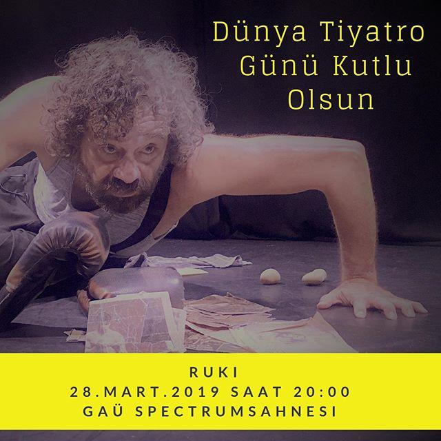 Sansürsüz,Özgür,Özgün , Sanat,Sanatçı,Seyirci  Dolu Günümüz kutlu olsun ... @ustalarinsahnesi Kıbrıs Kuzey Türk Cumhuriyet 'inde #art #actor #theatre #world #day #girne #gaü