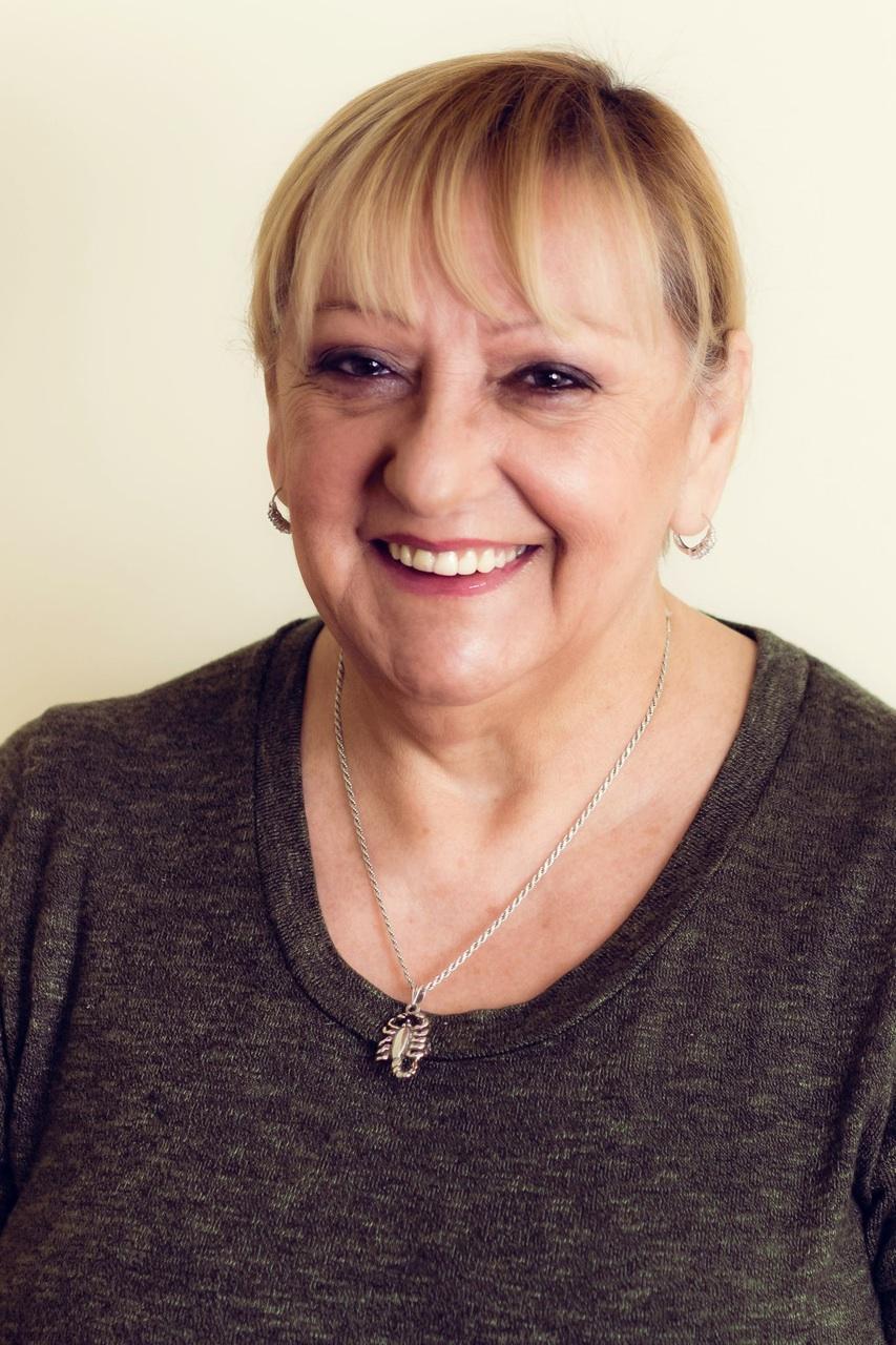 Diretora Ejecutiva       Ana M. Pérez de Pérez