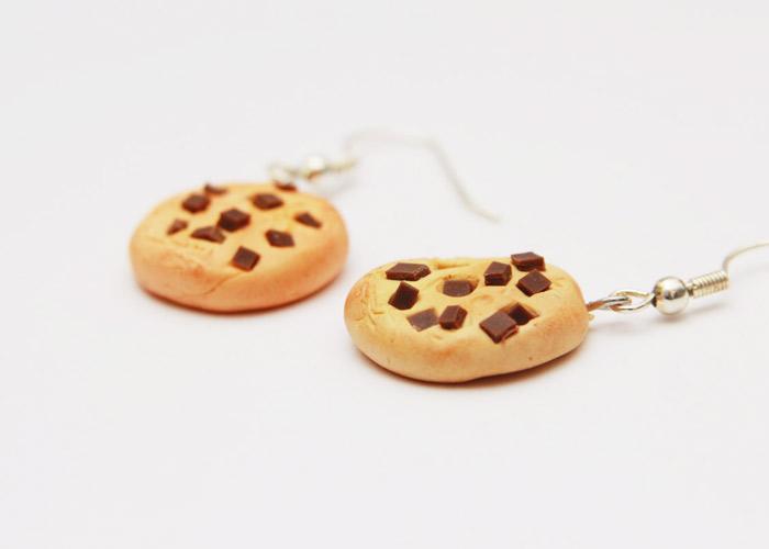 chocolate-chip-dangle-earrings1