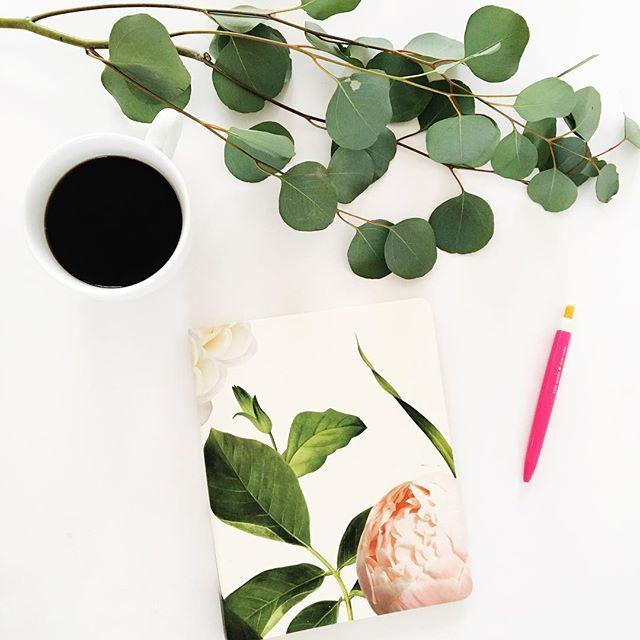 Afternoon brainstorming. #lovelysquares #flashesofdelight #thatsdarling #flatlay #coffee #mycreativebiz