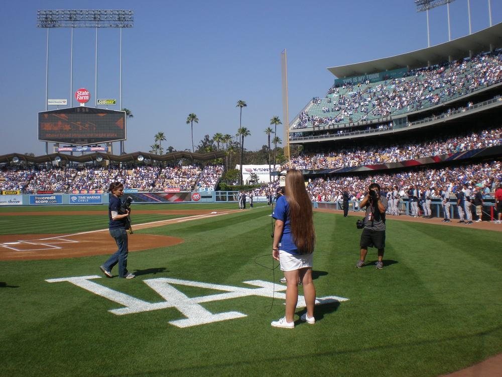 Malia sings the National Anthem for Dodgers vs Yankees June 26 2010.JPG