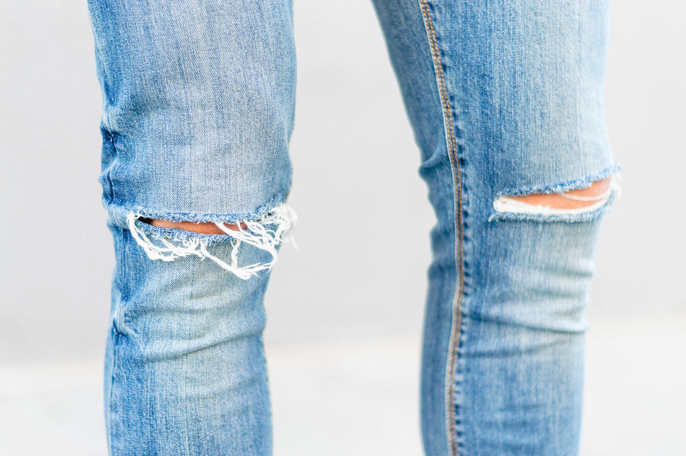 ASOS Super Skinny Jeans In Mid Blue Wash With Knee Rips
