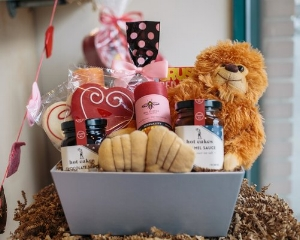 Valentine's Day Sweets & More Deluxe Gift Basket Seattle WA
