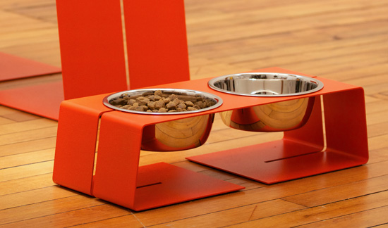 i know it's just dog bowls, but you have to look at them and fill them everyday. why not make it a fun place to eat? doca diner found at domestic beast  here.