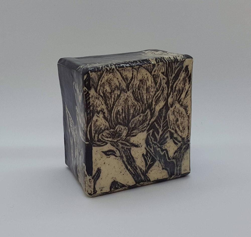 Artichoke Sgraffito Box