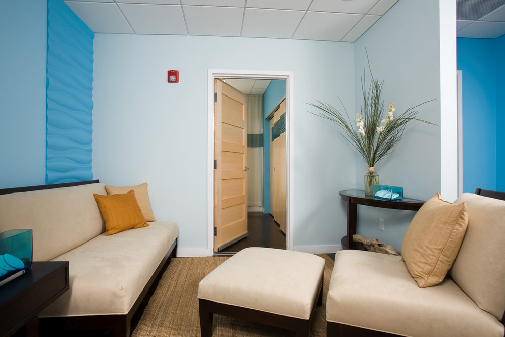 Turquoise-Lounge Downstairs.jpg