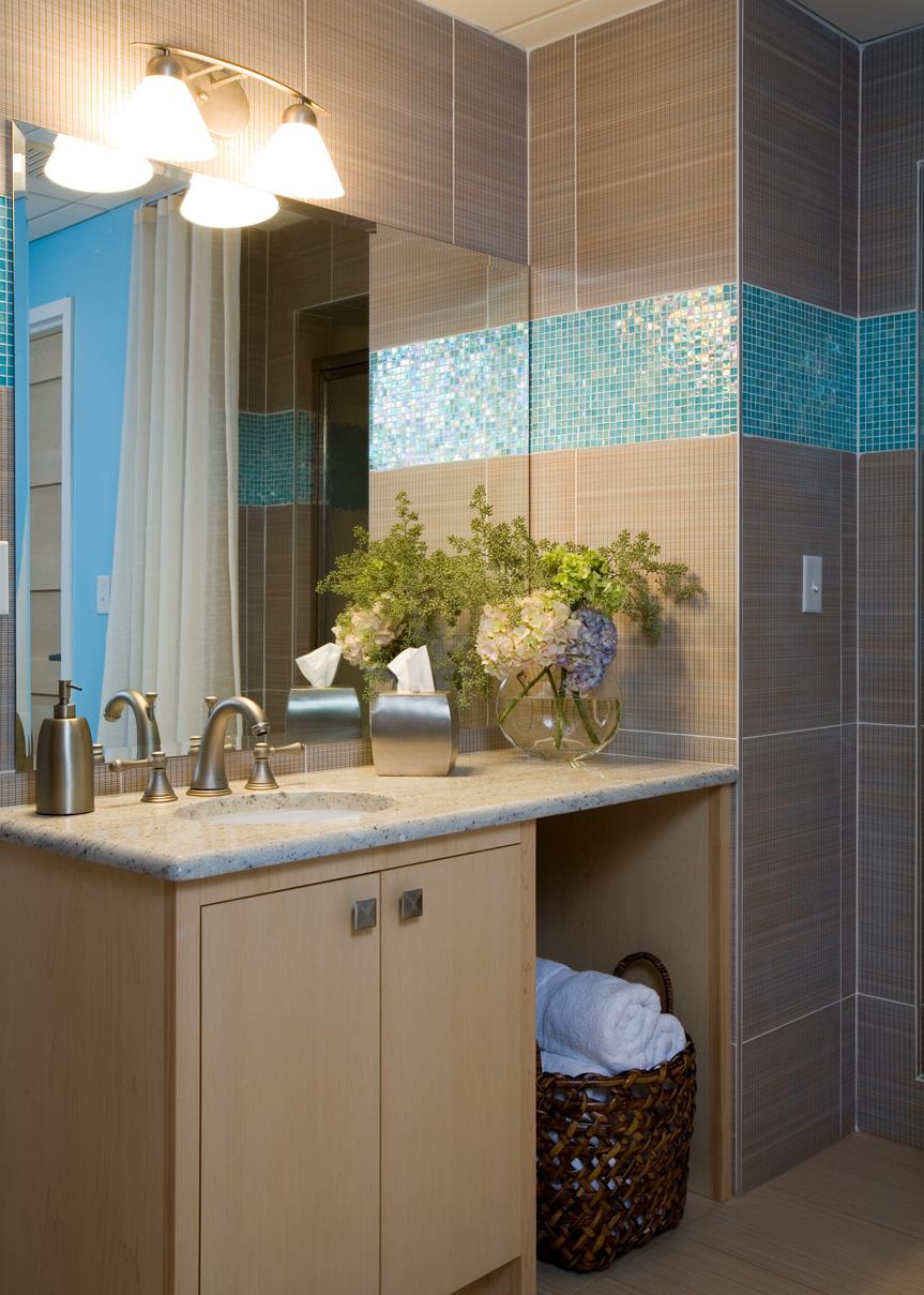 Turquoise-Mens Locker Room.jpg