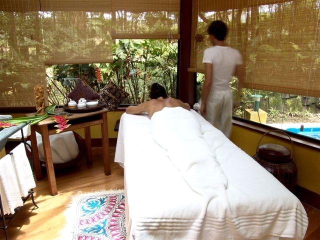 Unique quiosque massagem - crédito Alan Gouveia[2].JPG