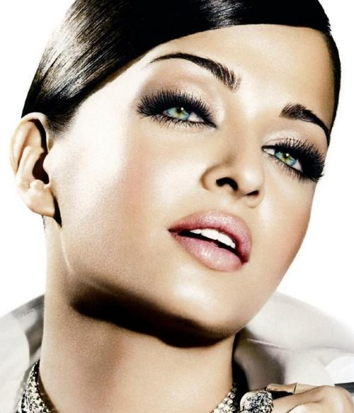 smoky-eyes-nude-lips-new-years-eve-party