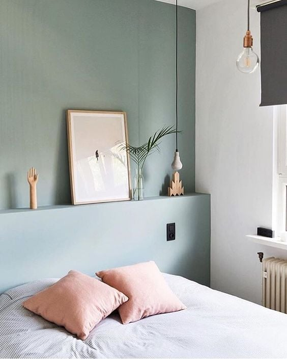 Bedroom goals 😍  Love these crisp and clean colors! Photo via @pinterest