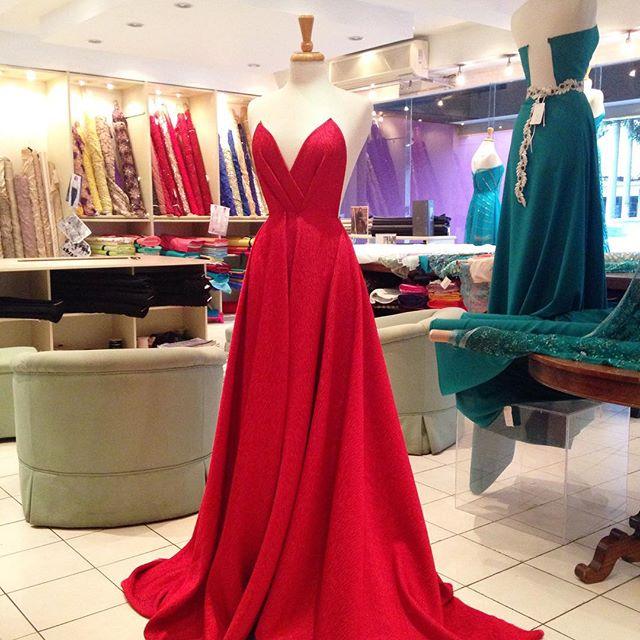 When in doubt wear red. Bill Blass ❤️👠💄