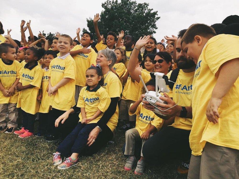 Nick B. educating the youth at Arthur Elementary in Oklahoma City.(Photo via @nickbrownio / @hipstarod)