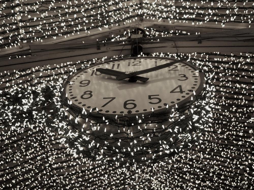 chelsea market clock.jpg