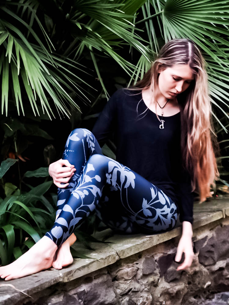 melbourne made yoga leggings protea.jpg