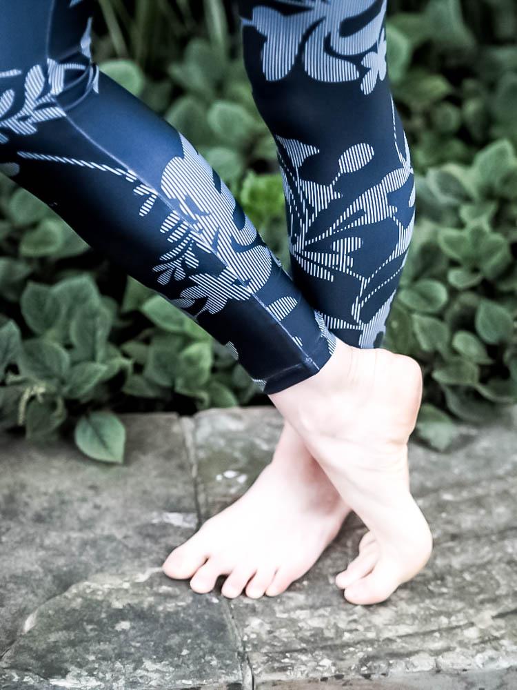 sustainable leggings-5-15.jpg