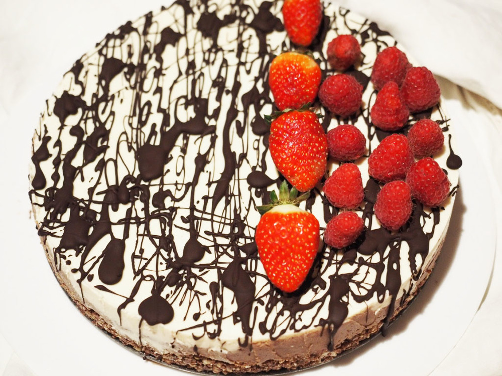dairy free chocolate layer tart buckini