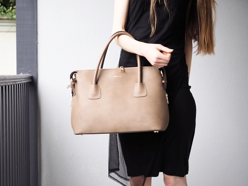angela roi-luxury-vegan-handbag-moa-tote.jpg