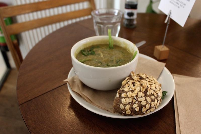 vegan-healthy-soup-SLA-amsterdam.jpg