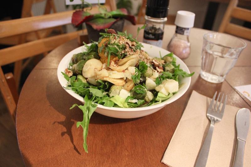 healthy-vegan-salad-SLA-restaurant-amsterdam.jpg