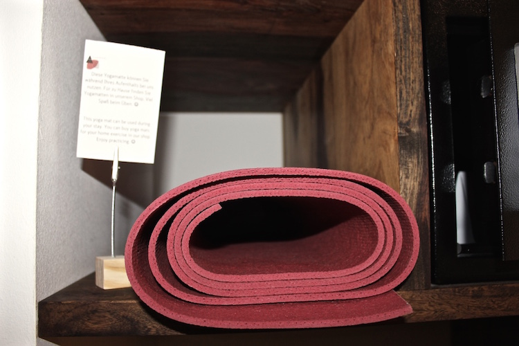 yoga-mat-almodovar-eco-green-bio-hotel-berlin-review-vegetarian-vegan-travel-germany-blog.jpg