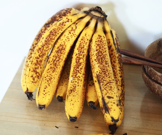 bananas-healthy-plant-based-snack.jpg
