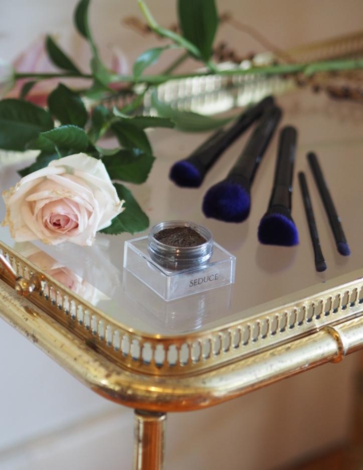 Furless Cosmetics Review:Luxury Cruelty-Free Eyeshadow + Brushes -