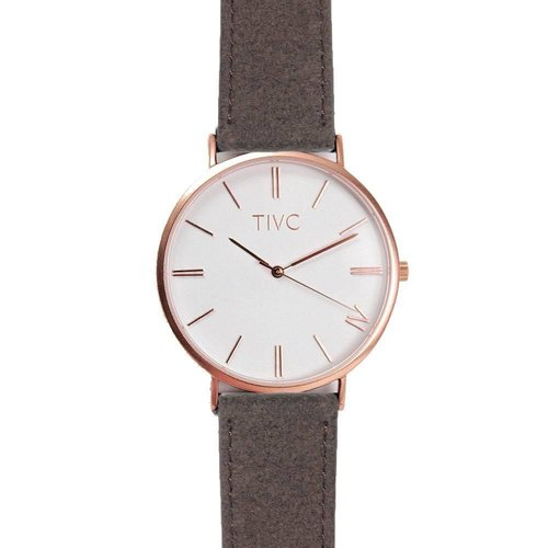 edc14e996dde What s the Time Mr Wolf  It s time for stylish vegan friendly ...