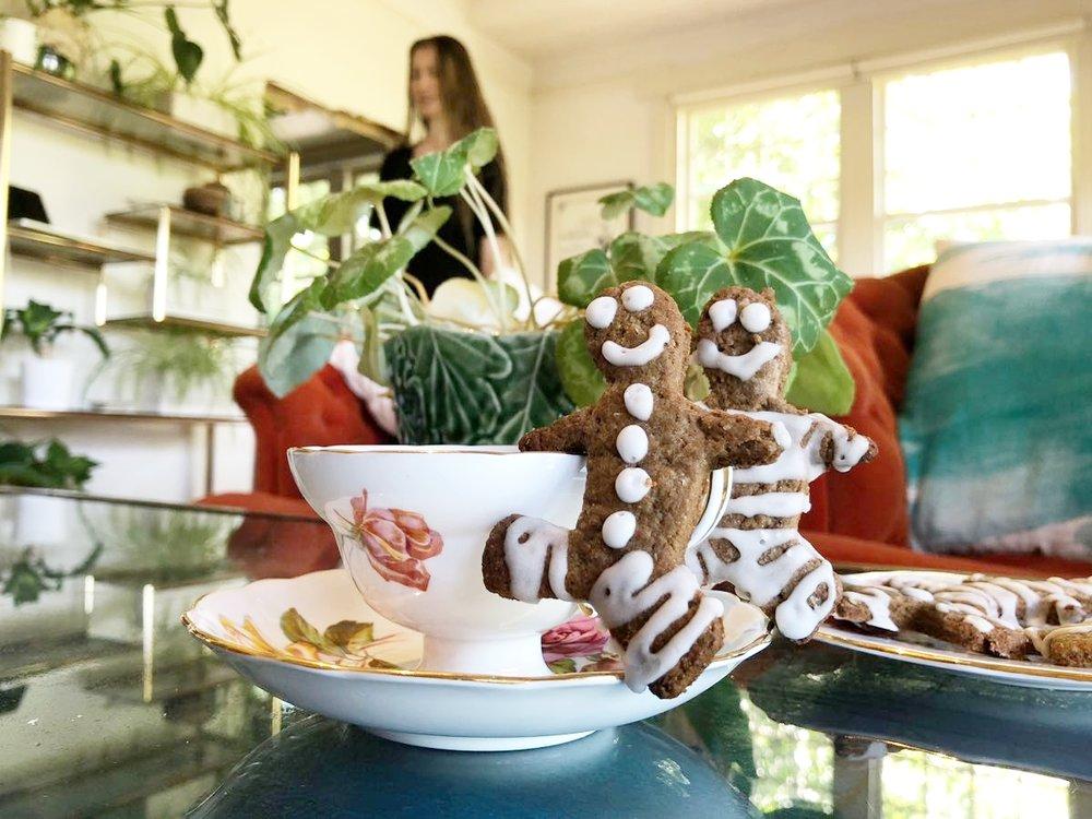 gingerbread men recipe vegan spelt flour.jpg