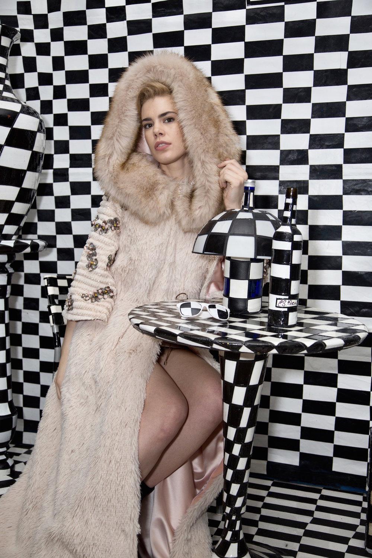 Model:  Brana Dane