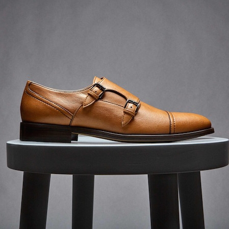 Brave Gentleman - New York City based men's fashion label - specialising in vegan, ethical & sustainable creations. They make suits, clothing and accessories.Their footwear is done as a conjunction with Novacas, and is made in Portugal.