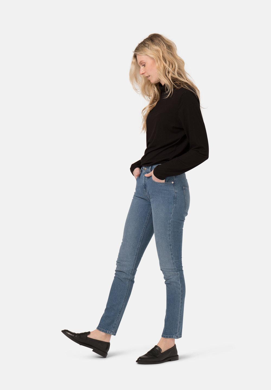 Woman-Ethical-Jeans-Boyfriend-Basin-Stone-Blue-fullfront-3.jpg