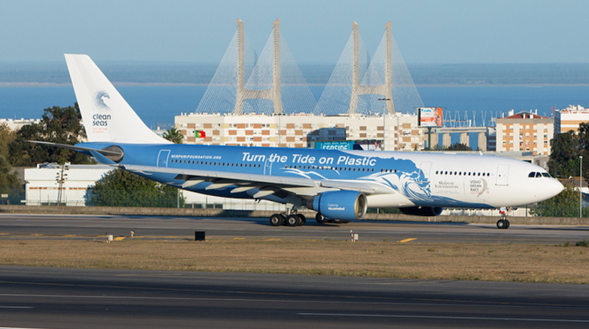 plastic-free-plane-flight-Hi Fly Portugal to Brazil-1.jpg