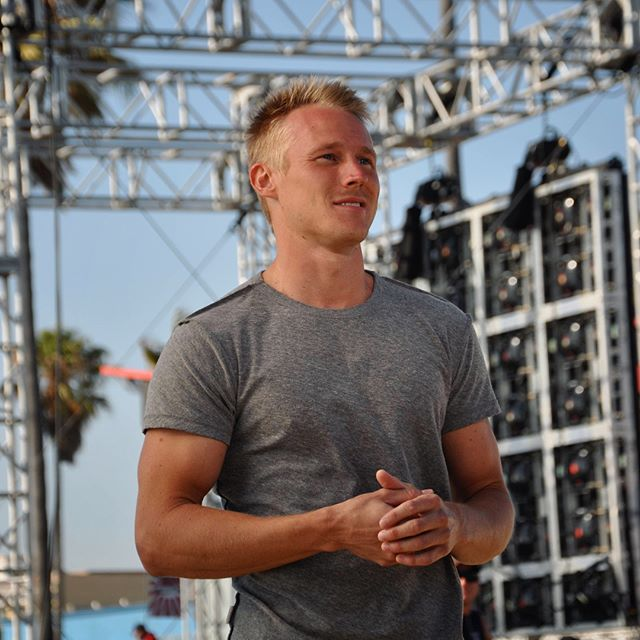 Behind the scenes of my first season on @ninjawarrior | Clearly it did NOT take long for the shirt to come off... 😅🤷🏼‍♂️ #tbt #throwback #ninjawarrior