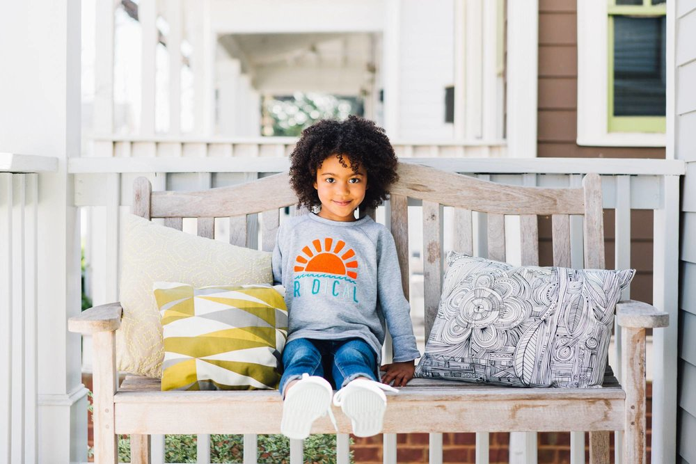 lifestyle photographer commercial | children model porch
