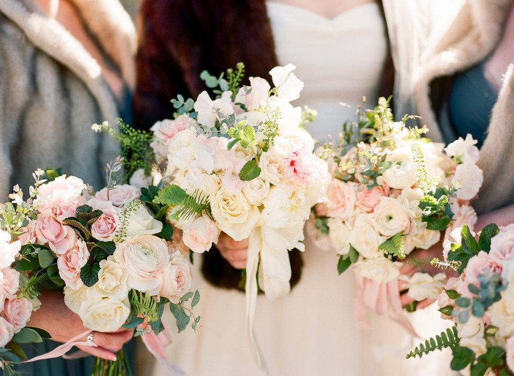 Twin_Owls_Steakhouse-wedding_photographer_Estes_Park_Lisa_ODwyer-216.jpg