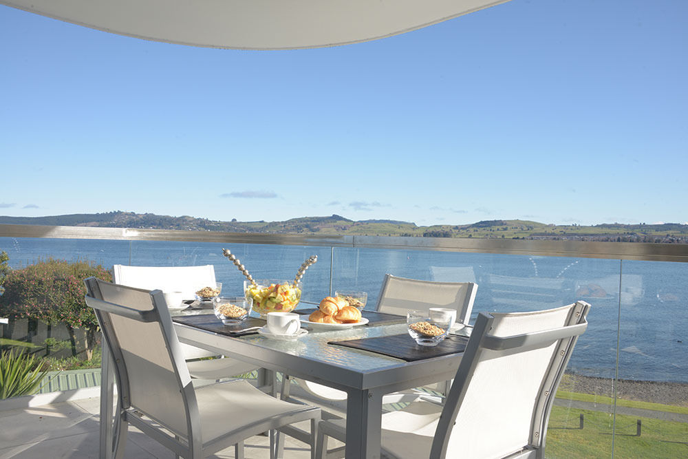Lakefront accommodation in Taupo