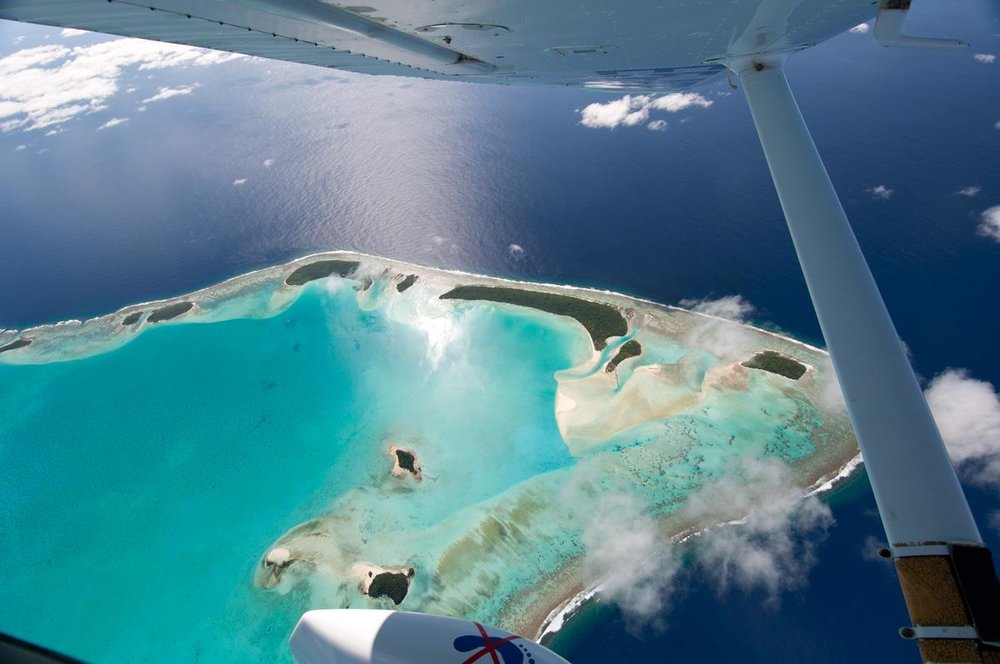 Flying into Aitutaki