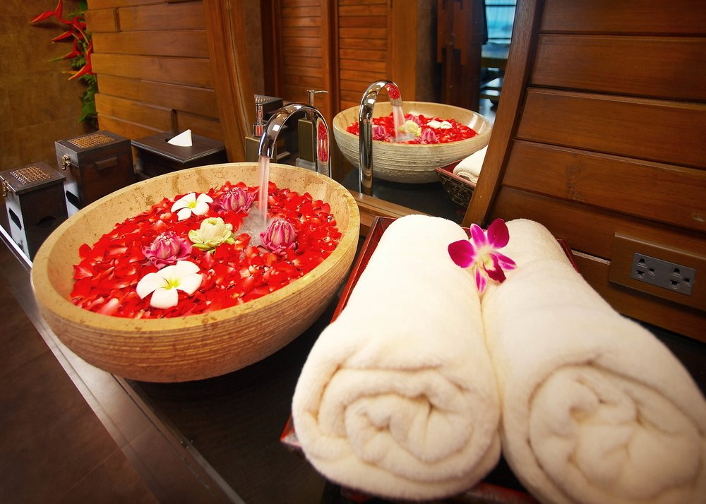 Relax with a massage - Crave Thailand Retreat